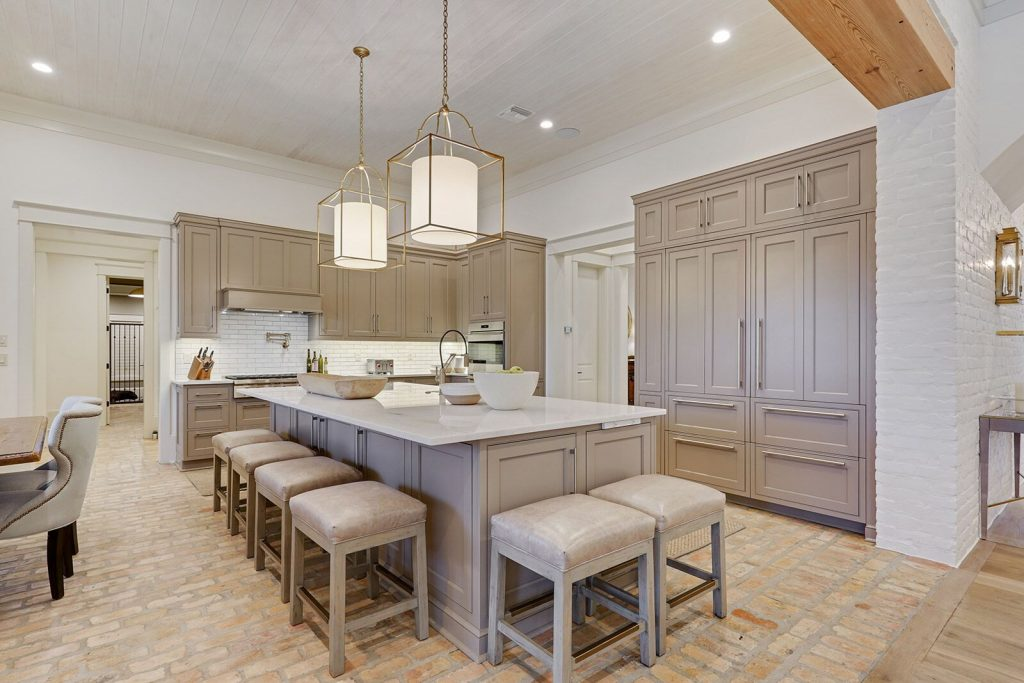 Photo of kitchen design in covington traditional